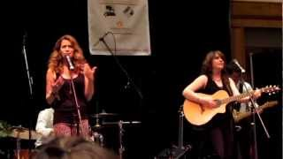 Everly sings Quicksand at Nicholas Sparks Charity Event!