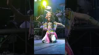 preview picture of video 'โนราห์น้องนีน่า/ยุวทูตท่องเที่ยววิถีไทย จ.กระบี่'