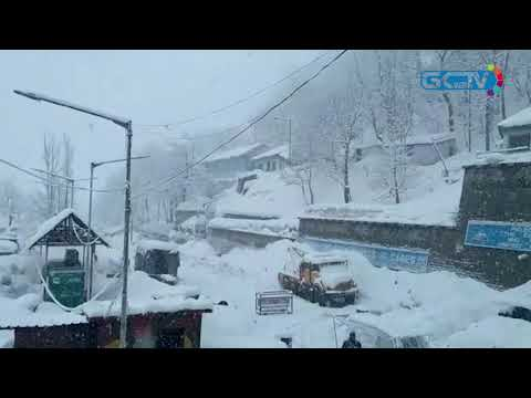 Fresh snowfall closes Jammu-Srinagar highway
