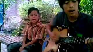 Rindu Ayah Dan Ibu (laoneis Band )