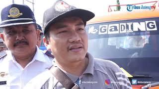 Bawaslu Batang dan Petugas Gabungan Tertibkan Angkutan Umum Berstiker Capres