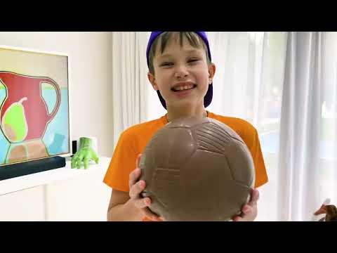 , title : 'Макс и история про шоколадный футбольный мяч