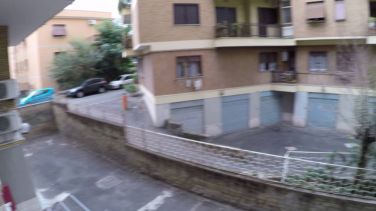 Bright rooms for rent to women only in 4-bedroom apartment in Tiburtina, Rome