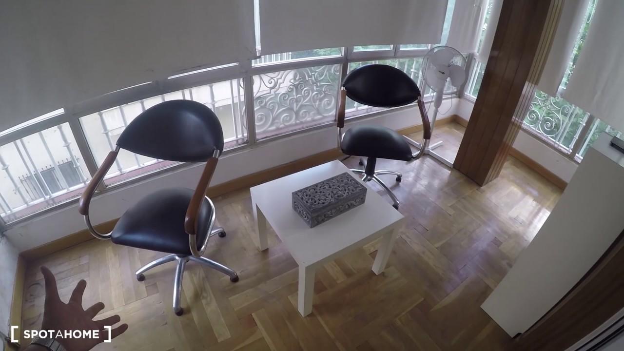 Rooms for rent in 7-bedroom apartment in Ventura Rodríguez