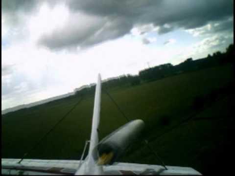 Beelden vanuit een modelvliegtuig tijdens Elektrosleep - deel 2