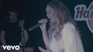 Rebecca Ferguson - Superwoman (Live at Hard Rock Cafe)