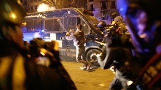 preview picture of video 'GRAVES DISTURBIOS EN 22M ENFRENTAMIENTOS CON POLICIA ANTIDISTURBIOS MARCHA DIGNIDAD. MADRID'
