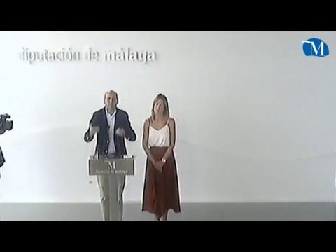 Los diputados provinciales del PSOE Francisco Conejo y Antonia García ofrecen una rueda de prensa