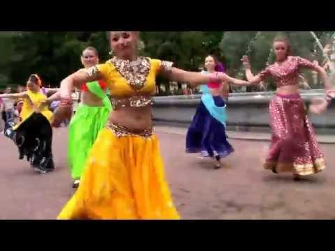 , title : 'Флэшмоб Flasmob Индийский танец'