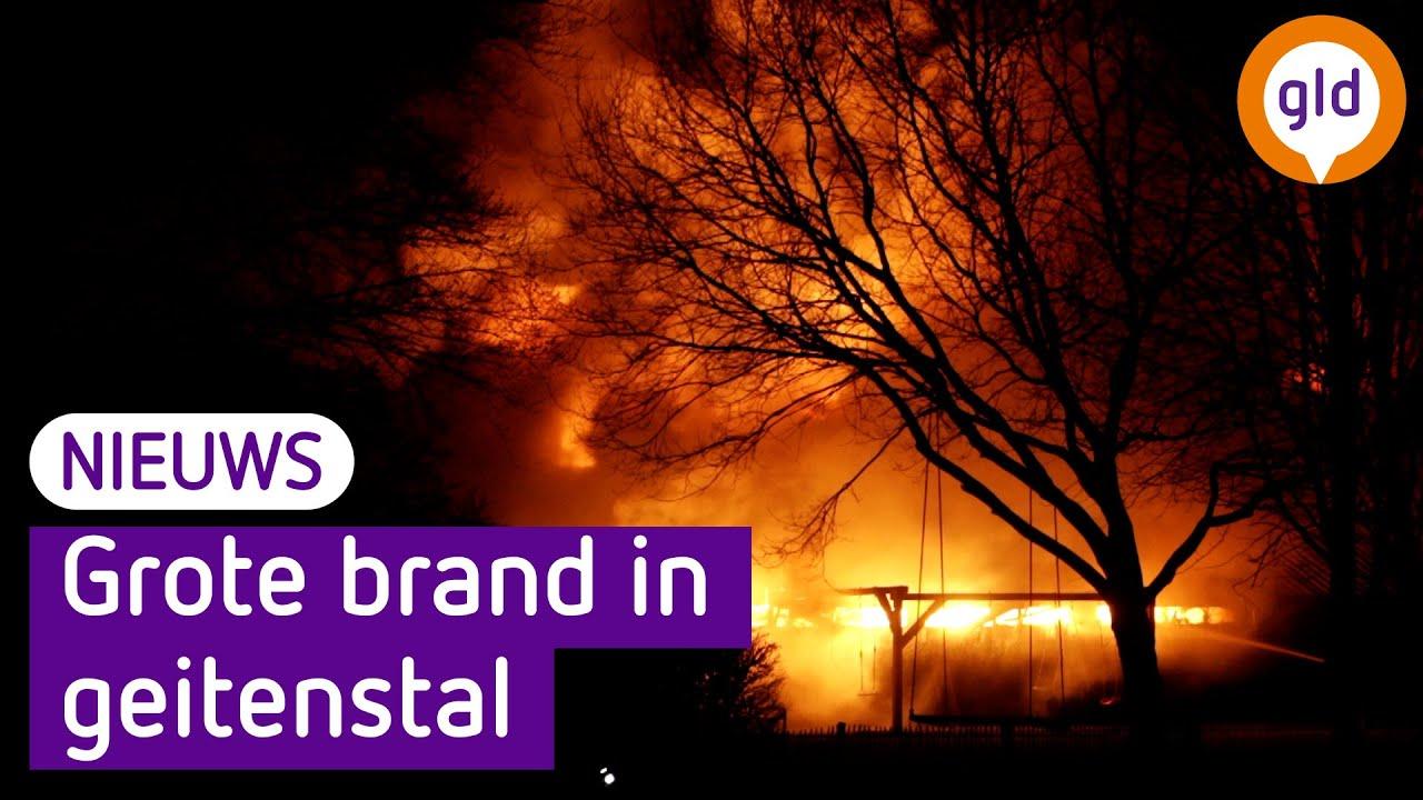 Grote brand verwoest schurencomplex in Barneveld