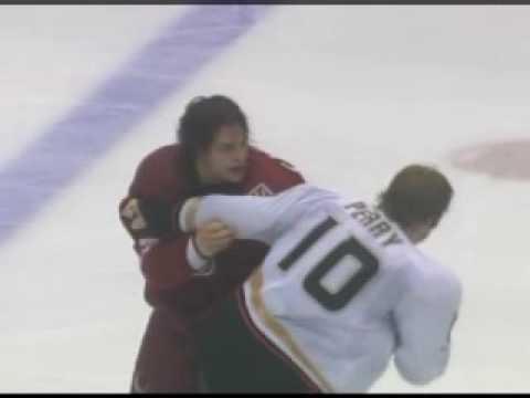 Dan Carcillo vs. Corey Perry