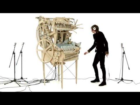 Шведский музыкант построил уникальный музыкальный инструмент видео