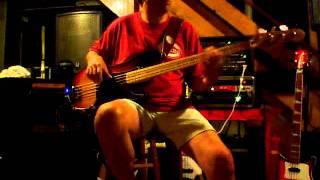 Geraldine & John - Joe Jackson bass guitar cover.MOV