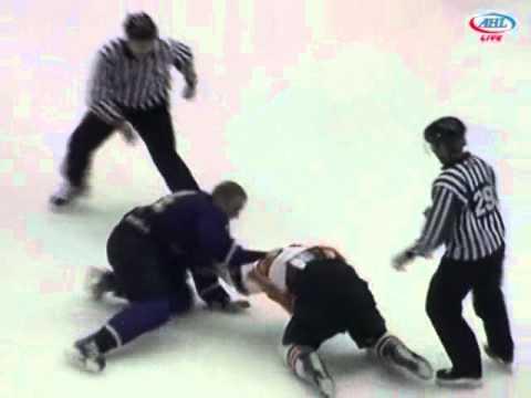 Jordan Hill vs Zac Rinaldo