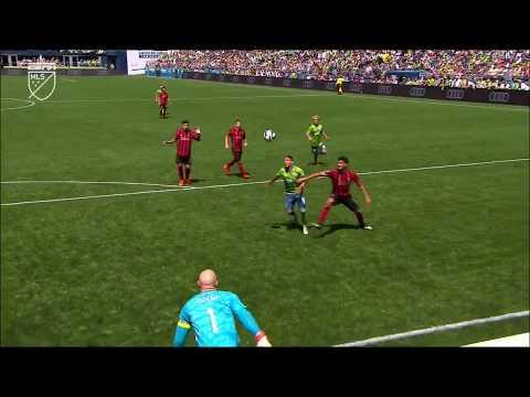 Raul Ruidiaz rainbows it to himself for a spectacular goal!