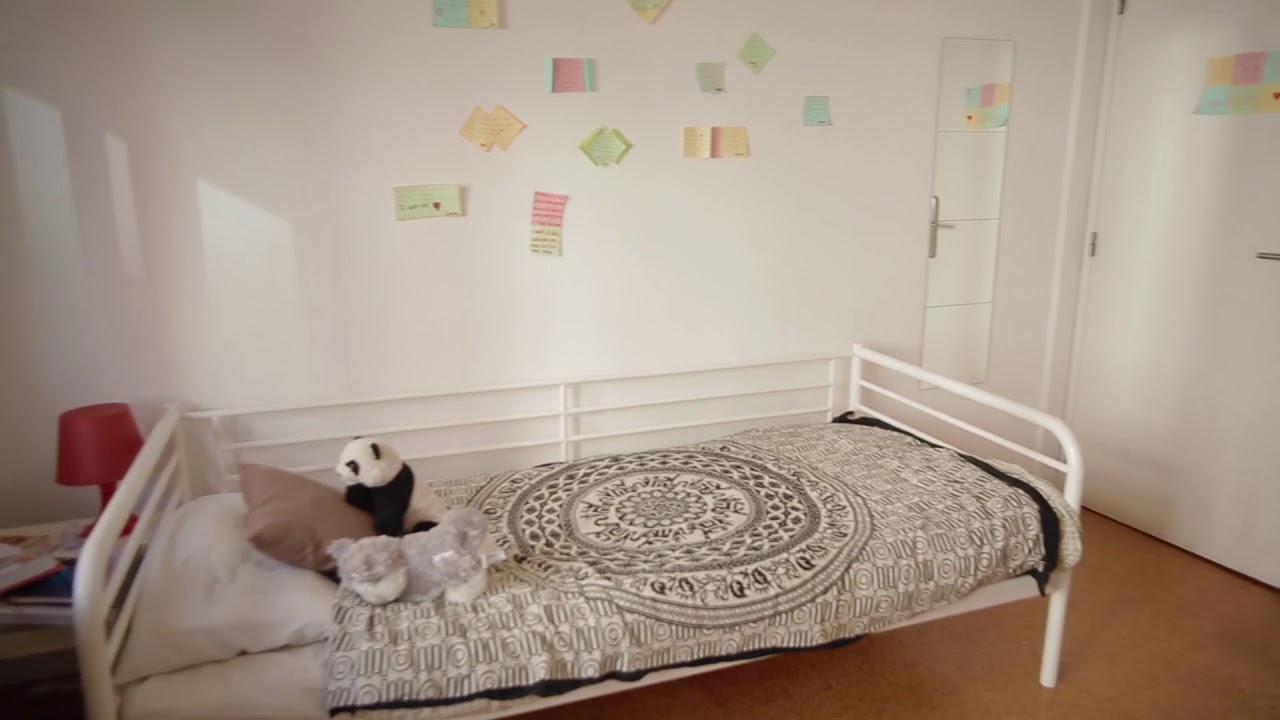 Single Bed in Furnished rooms for rent in super cool shared students residence in Avenidas Nova