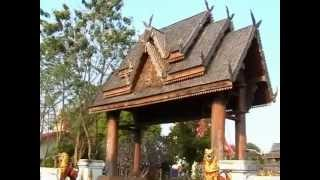 preview picture of video 'Phrae - Chedi at Wat Luang   Thailand'