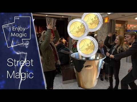 Zauberei im Eimer mit Münzen und einem Sektkühler || Street Magic || Enjoy Magic ||