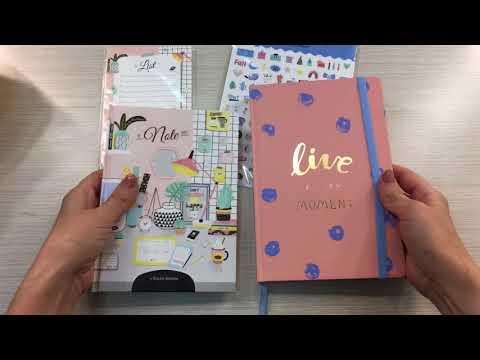 Не удержалась и купила очень красивый блокнот, наклейки и ежедневник