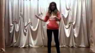 Девчонка классно танцует тектоник!!!
