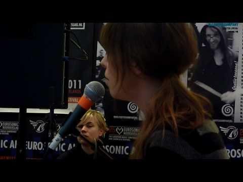 Laura Jansen - Single Girls | live at the Coffee Company, Groningen