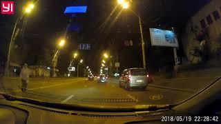Киев опасный город?  Пешеходам негде перейти?   60% гибнет в темное время НАД подземными переходами.
