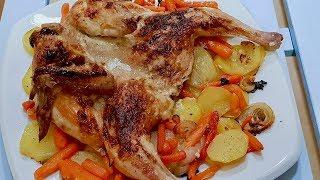 Цыпленок в духовке с картошкой. Что может быть лучше сочного, зажареного цыпленка!