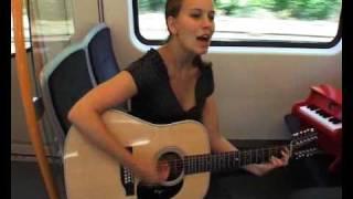 """Marit Larsen """"If A Song Could Get Me You"""" In Der Bahn"""