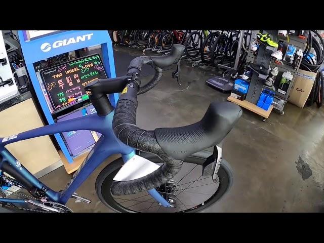 Видео Велосипед Giant Defy Advanced Pro 0 (Matte Chrysocolla/Gloss Chrysocolla)