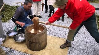 "Japanese A New Year traditional event ""Mochi-tsuki(pounding mochi)"" 南平台の餅つきに参加しました!"