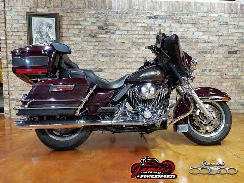 2005 Harley-Davidson FLHTC/FLHTCI Electra Glide® Classic in Big Bend, Wisconsin - Video 1
