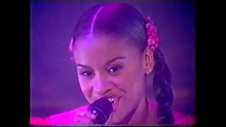 Snap! Featuring Niki Haris   Do You See The Light (Looking For) (TOTP)