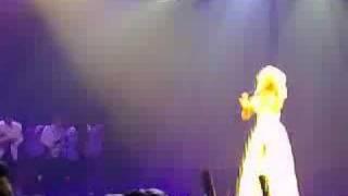 "Christina Aguilera Live ""Understand"""