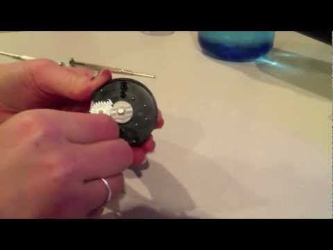 Putting a kitchen timer together