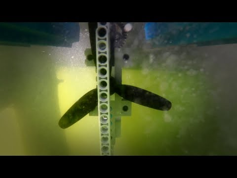 Powerful LEGO RC boat with the largest LEGO propeller ever made