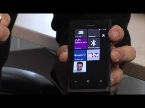 Youtube Video Nokia Lumia 800 fuchsia