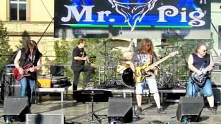 Video Mr.Pig (CZ) - Beat it - cover - Pivní slavnosti Kladno 19.5.2017