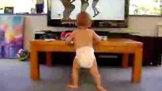 Baby Dancing to Beyonce. funny baby. comedy. pricol