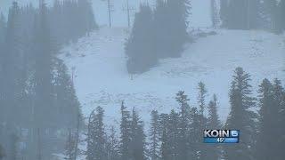Oregon Cascades receive much-needed snow