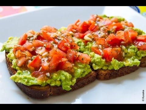 Video Healthy Breakfast Recipe: Avocado Toast with Tomato and Basil | Kusaka