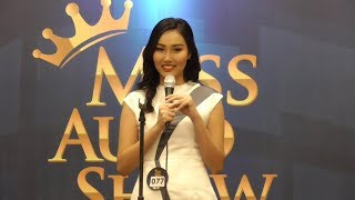 SPG Ini Lakukan Stand Up Comerdy di Miss Auto Show 2017