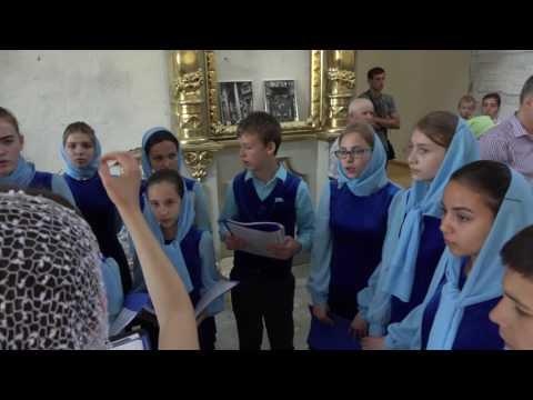 Детский хор в Преображенском храме. Видео 1