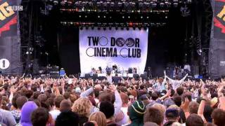 Two Door Cinema Club perform 'I Can Talk' at Reading Festival 2011 - BBC
