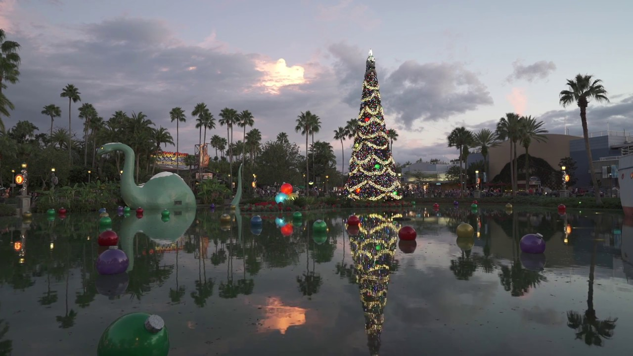 Disney's Hollywood Studios Christmas Tree lighting moment