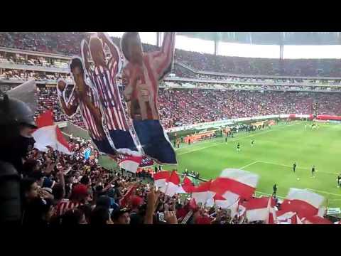 """Chivas 1-2 America 2016 Recibimiento"" Barra: La Irreverente • Club: Chivas Guadalajara"