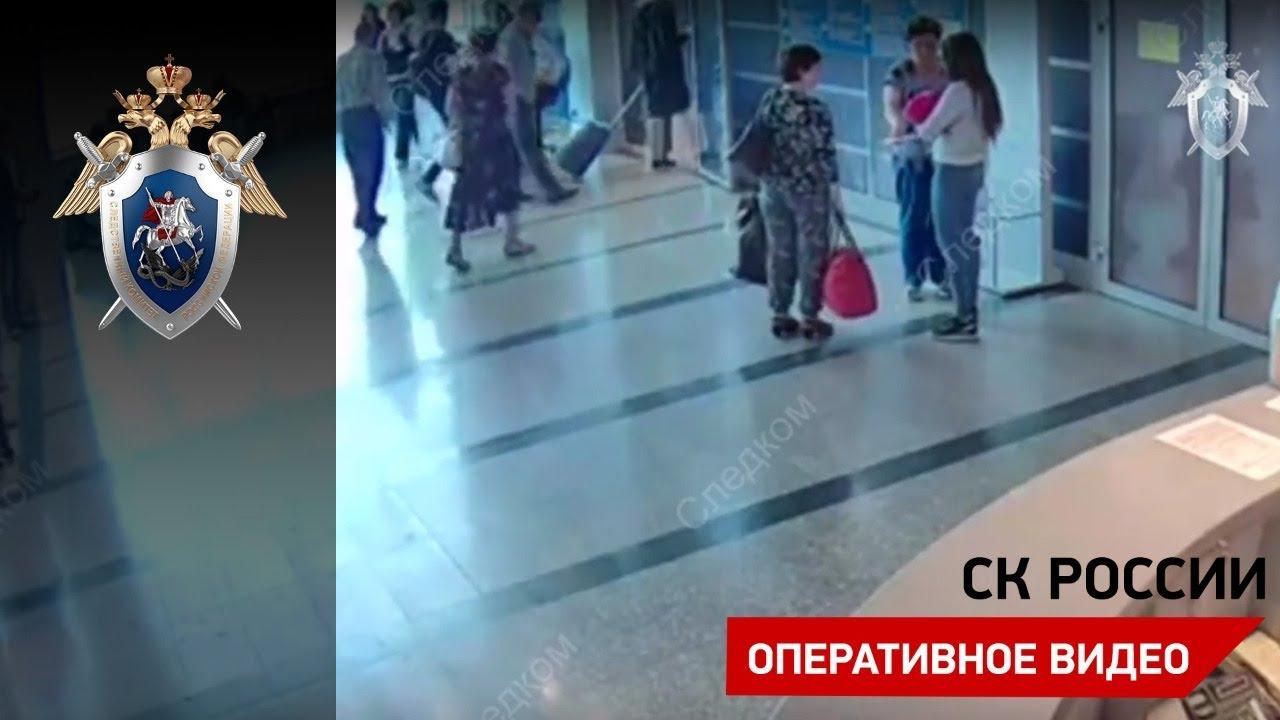 Девушка подарила новорожденную дочь учительнице из Санкт-Петербурга