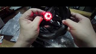 Cairbull helmet, changing rear led battery. Helm Cairbull ganti batera lampu.