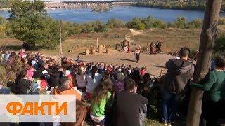 Покрова в Украине: военные парады, театрализованные представления и гуляния