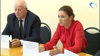 Министр здравоохранения Антонина Саволюк ответила на вопросы о реорганизации шимской ЦРБ