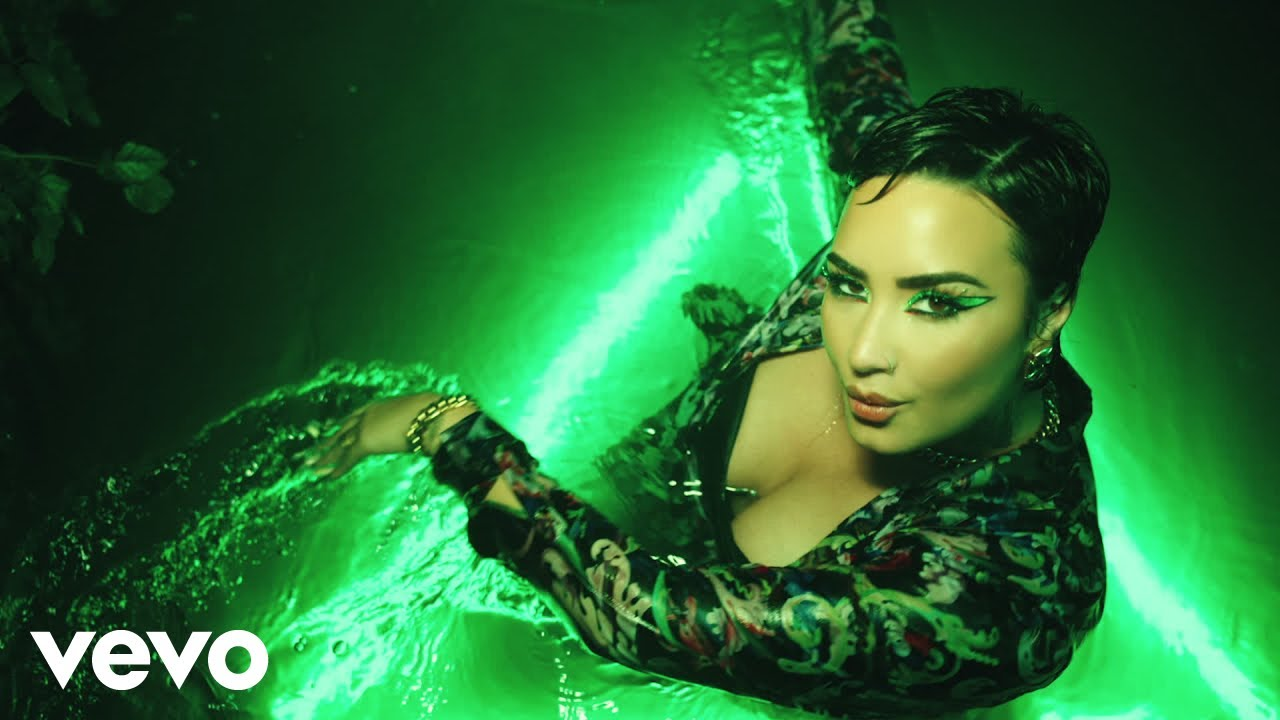 Demi Lovato — Melon Cake